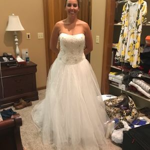 Jewel by David's Bridal Ballgown Size 8